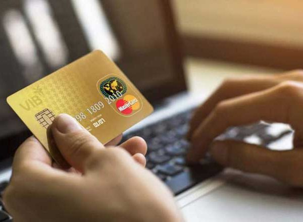 rút tiền mặt thẻ tín dụng vib